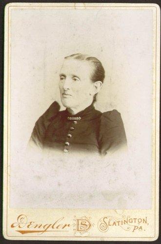 older-woman-retouch-cabinet-card-dengler-slatington-pa