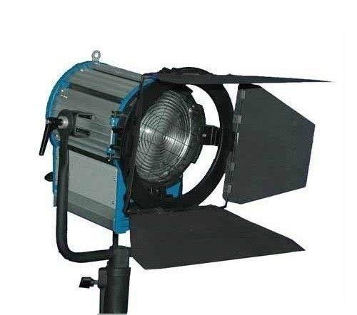 KINOSUN PRO 2000W Fresnel Tungsten Spotlight + 2000 Watts Bulb for Studio Video ()