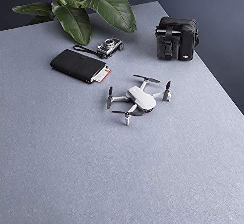 DJI Mini 2 Combo - Ligero y Plegable Drone, 3 Ejes Gimbal con Cámara 4K, Foto 12 MP, 3 Baterías, Centro de Carga…