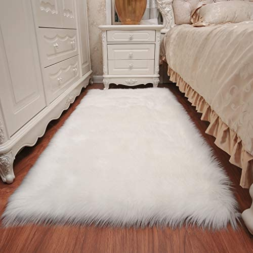 KMAT Fluffy Rug Faux Sheepskin Fur Rug for Room Decor,3ft x 5ft Ultra Soft Anti-Slip Area Rug Carpet for Bedroom,Living Room,Nursery,Changing Room,Vanity Chair Couch Sofa Cover,Machine Washable White