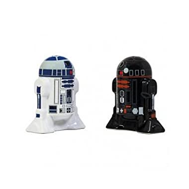 Star Wars Salt and Pepper Shakers - R2-D2 and R2Q5 - Add a little Star Wars to every Meal