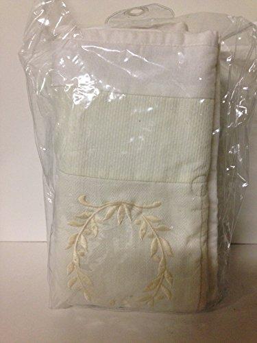 MARTHA STEWART COLLECTION Trousseau Crest Monogran Quilt Crest Quilted