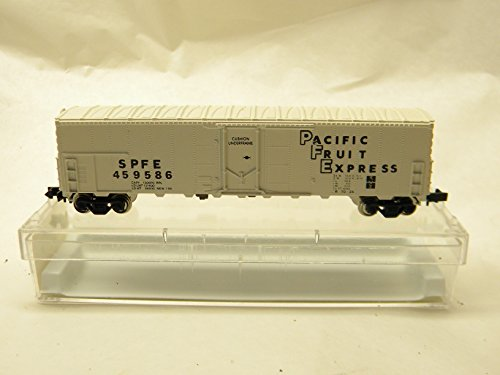 Reefer Express (Aztec N Scale PFE 2010-A Southern Pacific - Pacific Fruit Express Reefer Car)