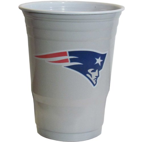 NFL Siskiyou Sports New England Patriots Plastic Game Day Cups, 18 Count, (18 oz) Team Color -