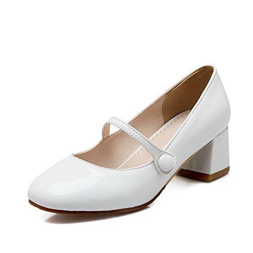 AllhqFashion Damen PU Leder Rein Schnalle Quadratisch Zehe Mittler Absatz Pumps Schuhe Weiß