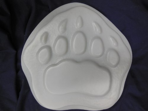 Bear Paw Footprint Stepping Stone Concrete or Plaster Mold (Concrete Animal)