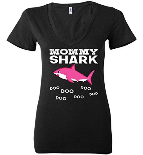 Doo V-neck - Mommy Shark T-Shirt Doo Doo Doo - Funny Tee for Mother V-Neck
