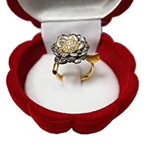 Flower Design Fashion Ring 18ct Yellow Gold with Diamonds