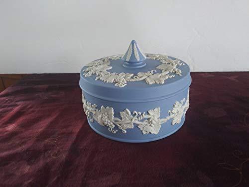 WEDGWOOD BLUE JASPERWARE ROUND COVERED CANDY DISH OR DRESSER BOX
