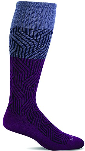 Nouveau Feet (Sockwell Women's Nouveau Graduated Compression Socks, Violet, Small/Medium)