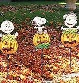 Peanuts Snoopy Linus and Charlie Brown Pumpkin Lighted Pathway Markers