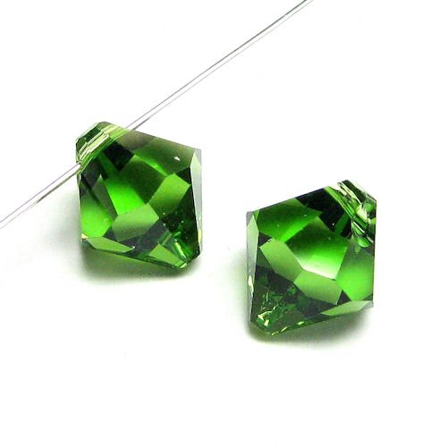 6 pcs Swarovski Crystal 6301 Top Drilled Bicone Pendant Bead Fern Green 8mm / Findings / Crystallized Element