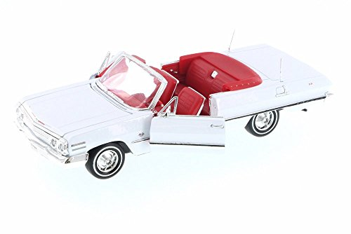 Chevy Impala Models - Welly 1963 Chevy Impala Convertible, White w/ Red 22434WWT - 1/24 Scale Diecast Model Toy Car