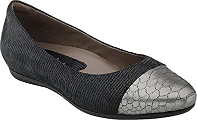 Earthies Women's Black Print Hanover 5 Medium US