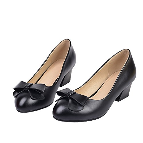 VogueZone009 Women's PU Kitten-Heels Round Closed Toe Solid Pull-On Pumps-Shoes Black VxuTgPnu