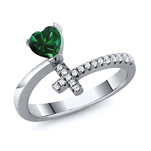 - Sterling Silver Heart Shape Green Simulated Emerald Cross Ring 0.52 cttw (Size 5)