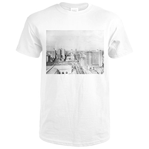 Bird's-Eye View of 42nd Street from 5th Avenue NYC Photo (Premium White T-Shirt - Avenue Shops Nyc 5th
