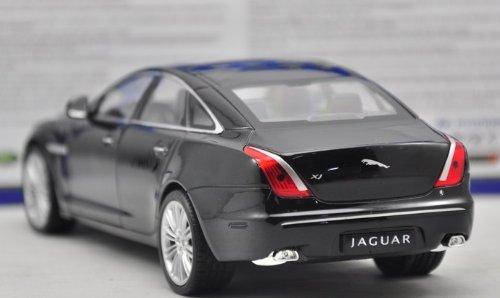 Amazon Com Welly 1 24 Jaguar Xj Diecast Model Car Black Toys Games