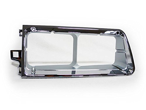 CPW (tm) 90-07 Freightliner FLD Integral Sleeper Truck Right Chrome Headlight Bezel Trim by CPW