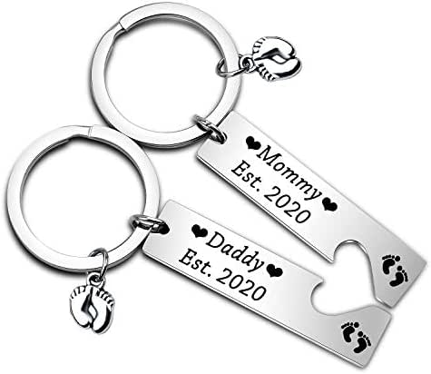Pregnancy Announcement Gifts Daddy and Mommy Est 2020 Keychain Set New Parents Gift Mommy to Be Gift First Time Dad Gifts with Baby Footprint Charm