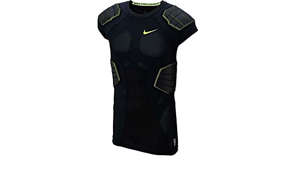 5d407b37fabe Amazon.com  Men s Nike Hyperstrong Compression 4-Pad Football Shirt  Sports    Outdoors