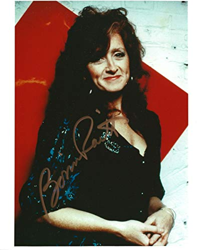 Bonnie Raitt REAL hand SIGNED Photo #2 COA Autographed Country Singer (100 Greatest Singers Of All Time List)