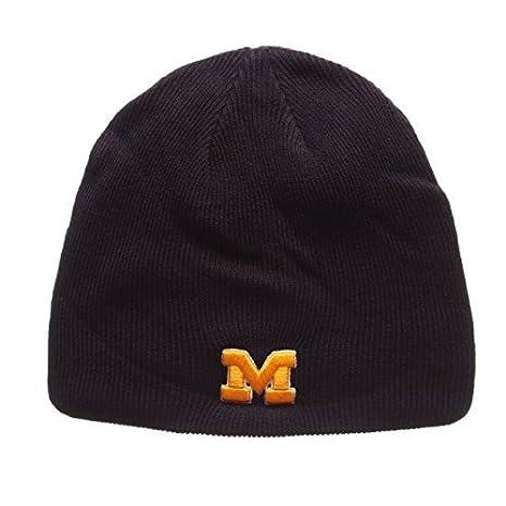 c764fb6003a69 Amazon.com   ZHATS Michigan Wolverines Navy Blue Edge Skull Cap ...
