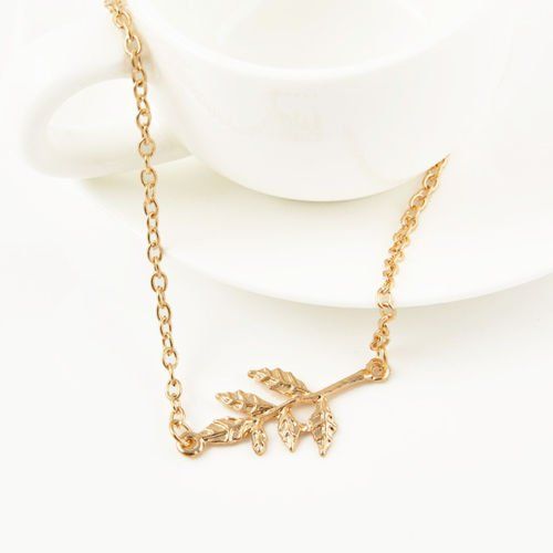 Fashion Simple Gold Leaves Charm Chain Pendant Celebrity Necklace xmas Gift LOVE STORY ()