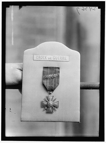 Photo: Photo of FRENCH MEDALS. CROIX DE - Froday Sales Black