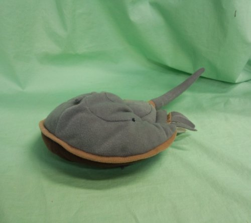 (Horseshoe Crab Stuffed Toy)