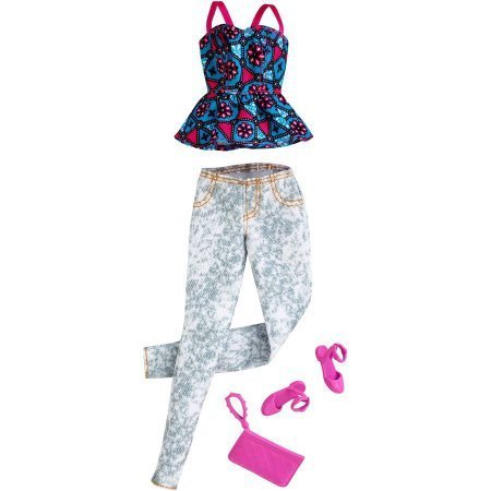 Barbie Seasonal Fashion Pack with Pink shoes