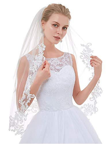 (AIBIYI 2 Tier Lace Edge Bridal Veil with Comb AHL20)