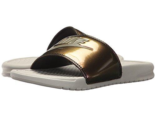 (ナイキ) NIKE レディースサンダル?靴 Benassi JDI - Iridescent Light Bone/Medium Olive 11 (28cm) B - Medium