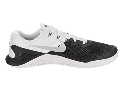 New Mens Nike Metcon 3 Cross Training Sneaker (9.5, Black/White/Metallic Silver)