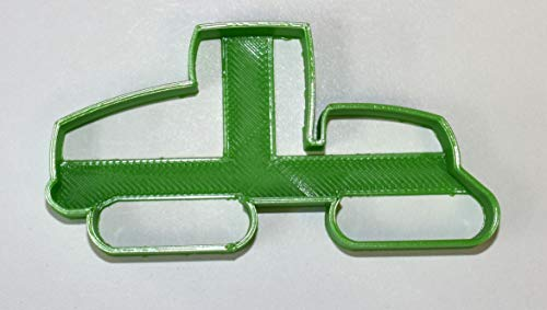 GREEN TRACTOR TRACKED FARM VEHICLE EQUIPMENT AGRICULTURE COOKIE CUTTER FONDANT BAKING TOOL USA PR700