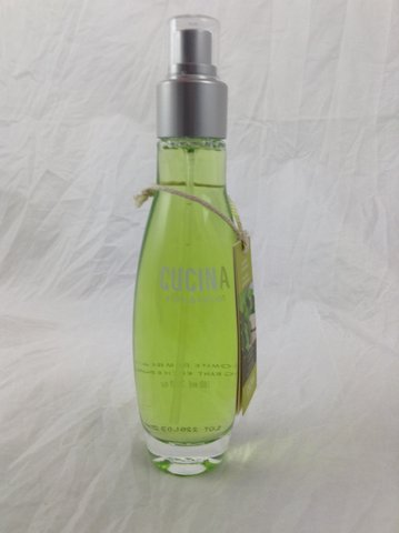 Fragrant Kitchen Spray (Cucina Fruits & Passion Kitchen Fragrant Mist (Coriander & Olive Tree Glass) 3.3oz)