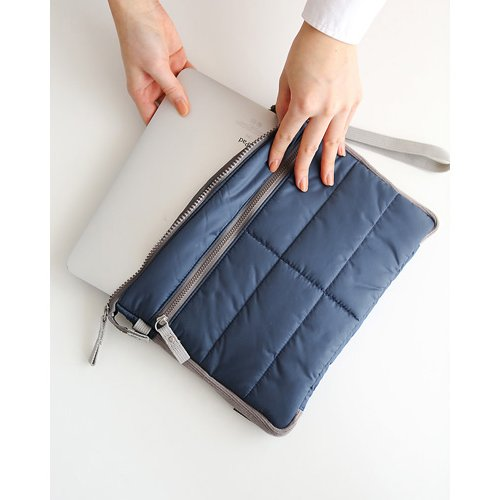 Gadget pouch - Navy by invite.L