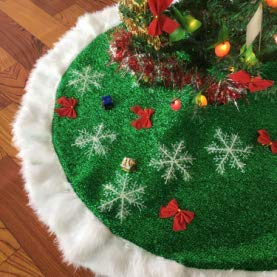 Cotify Christmas Tree Skirts 30 inch, Green and White Plush Faux Fur Luxury Tree Skirt Decorations Mat with 6 Snowflakes for Indoor Outdoor Xmas Party Decor Pet Dog Cats Favors