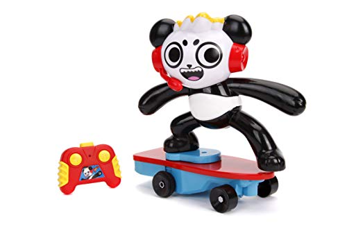(Jada Toys Ryan'S World Toy Review Combo Panda Wheely Popping Stunt Skateboard RC, Remote Control Vehicle 2.4 Ghz)