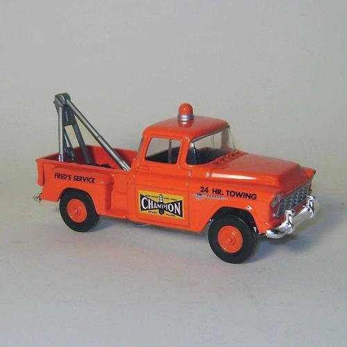 Die Cast Matchbox 1955 ChevroletChampion Sparkplug Towing and Service Truck 1:43 ()