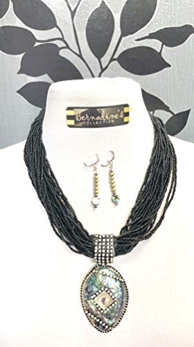 BLACK BEADED SEEDS WITH ABALONE PENDANT ADDED IS PEARLS EARRINGS HANDMADE ()