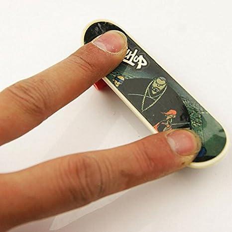 Amazon.com: Plástico Mini monopatín tabla de juego clásico ...