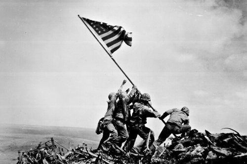 (New 5x7 Photo: Raising the Flag on Iwo Jima)
