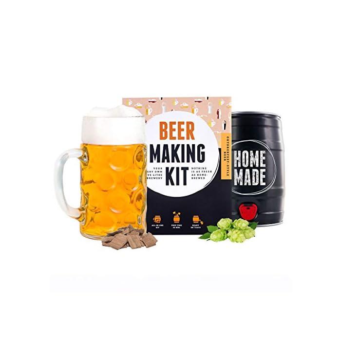 41pp1FOSDUL ¿Estás buscando el regalo perfecto, así como una sencilla iniciación al mundo de la cerveza artesanal? El kit de Brewbarrel es el kit más rápido e intuitivo para preparar tu cerveza casera. Un regalo perfecto para los amantes de la cerveza y homebrewers. Brewbarrel Oktoberfest: La cerveza bebida en el festival más conocido del mundo. Una cerveza de malta suave, la cual sin llegar a ser amarga permite apreciar notas a lúpulo. Su color dorado y sabor refrescante con matices dulces la convierten en el todoterreno de las cervezas. Ideal para cualquier ocasión. De cabeza generosa, fascina al olfato con su armónica combinación de malta y lúpulo. El kit de elaboración de cerveza artesanal es el regalo perfecto para los amantes del líquido dorado o cualquiera que siempre haya tenido la espinita de prepararla por si mismo/a. Independientemente de hombre o mujer, este regalo es una idea excepcional para sorprender a cualquiera. Un sencillo y versátil regalo que supone el punto de partida ideal para conocer el mundo de la elaboración artesanal.