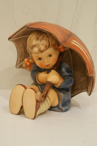 M.I. Hummel Figurines Umbrella Girl, HUM 152/B2/0, Arthur Moeller, 9 cm / 3.50 Inch, 1152222 (Umbrella Girl Hummel)