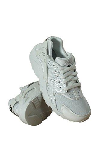 bd980a46224a63 Galleon - Nike Kids Air Huarache Run SE Fashion Sneakers (7)