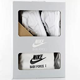 Nike Toddlers Force 1 Gift Pack (CB) White/White/White Casual Shoe 4 Infants US
