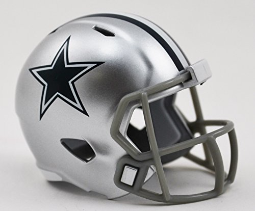 Dallas Cowboys NFL Cupcake/Cake Topper Mini Football Helmet]()