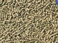 H and H Soy Free Non-GMO Show and Pet Rabbit Pellets 17% Protein