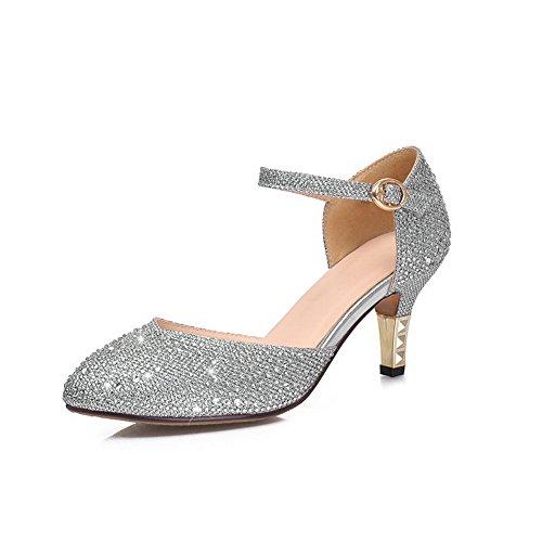 Amoonyfashion Mujer Mezcla Sólida Materiales Kitten Tacones Apuntados Cerrado Hebilla Bombas Zapatos Plata